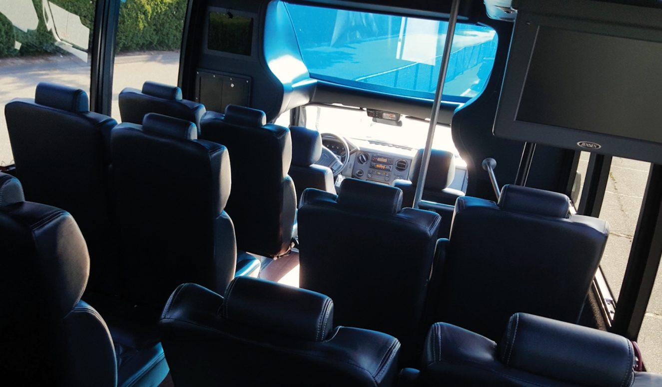 Mini-Coaches